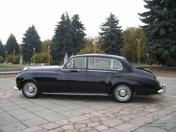 ретро автомобиль Rolls Royce Silver Cloud Long Wheelbase Coachwork by Park Ward Ltd. 1958 год выпуска