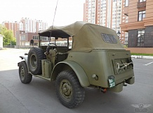 ретро автомобиль Dodge WC58 Radio Command car