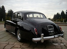 ретро автомобиль Rolls Royce Silver Cloud Long Wheelbase Coachwork by Park Ward Ltd.